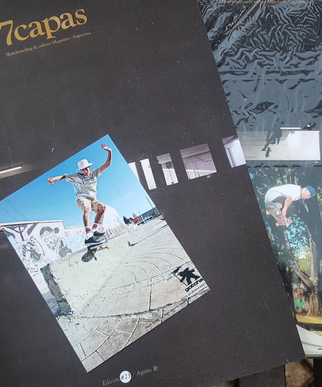 En la previa del lanzamiento de la @7capasmag #23  De regalo con esta edicion unos flyers de @nicolas_hernandez_ y @wallacejuano  #gotcha #iconsneverdie
