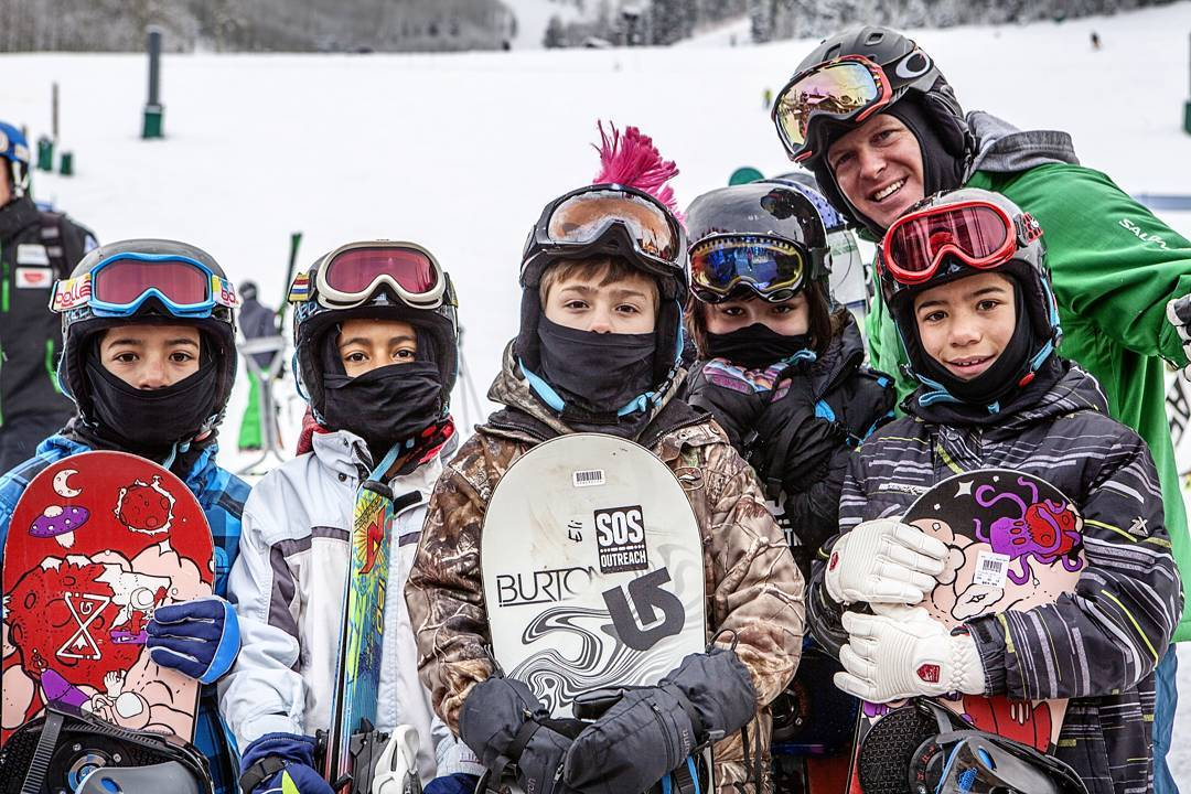 SOS volunteers help youth realize their full potential through outdoor adventure programs. Create positive change in your community through snowsports today, by volunteering with SOS! Head to the link in our bio for more info