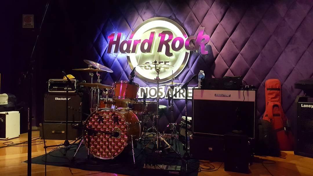 Todo listo! Rock On! Viva Rock Latino @hardrockcafebsas  sponsored by Gotcha  #rockneverdie