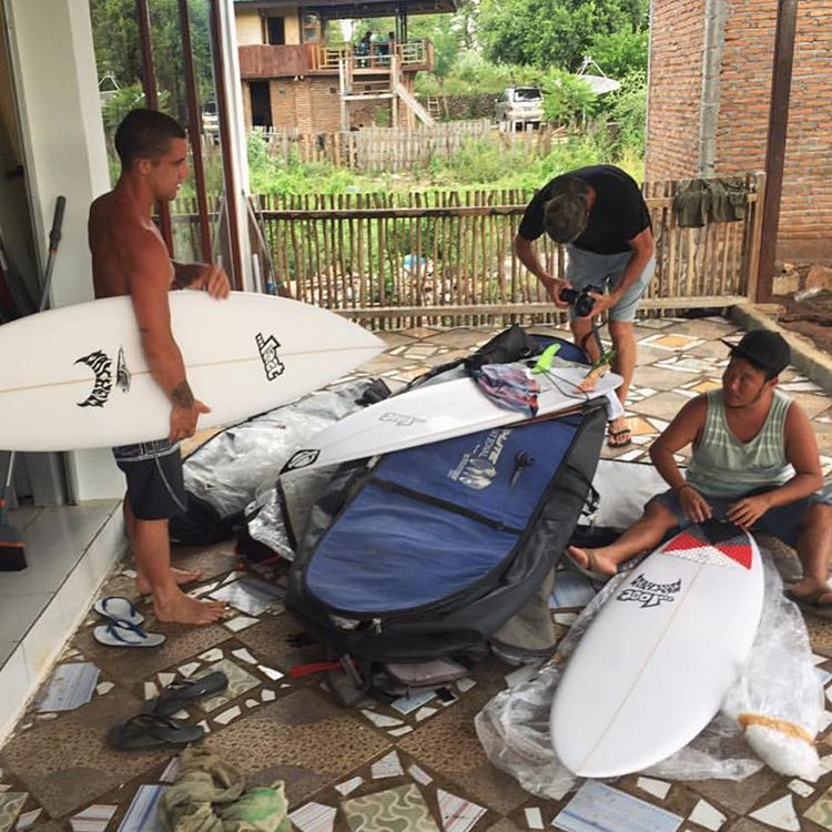 @burgerinparadise and @__billyhopkins setting up fresh boards in Indo