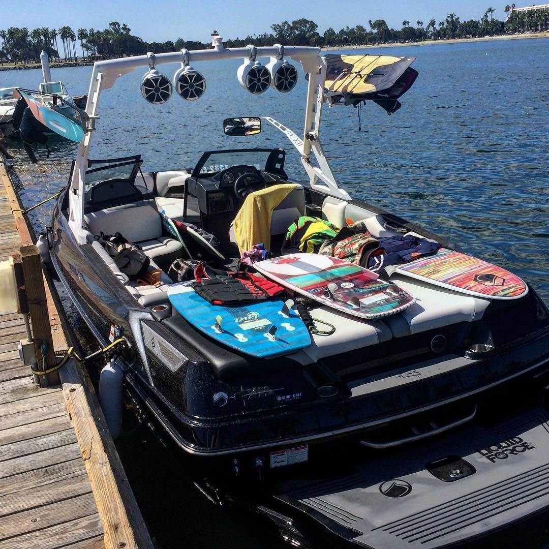 Just another day in the office for Liquid Force and the @alliancewake crew. #goodtimes #elguapo #dart #pod #butterstick #eclipse #magnum. It was a morning of FU!!! #fununlimited #boardmeeting @axiswake