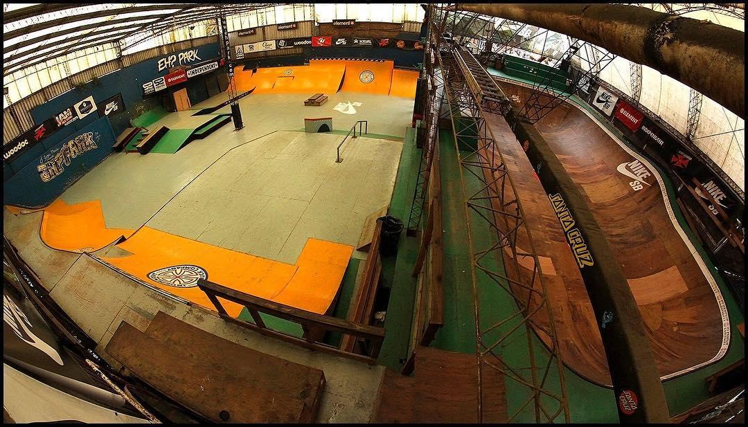 Felicidades al @ehparkparadise_skatepark por darnos 15 años de goce al skate con sus pistas