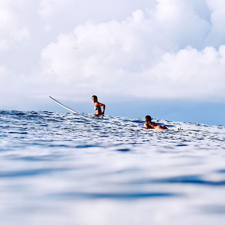 Drifting through the Maldives with @keliamoniz + @monycaeleogram #ROXYsurf