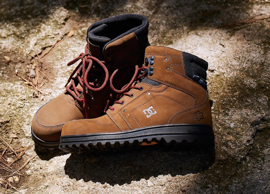 The new 2016 DC x @snowparktech Mountain Boots are here and ready for elemental warfare. Rugged, warm, and comfortable these boots were built for the everyday soldier in all of us. Get your pair at: dcshoes.com/dcxspt. #dcshoes #dcsnowboarding #DCxSPT
