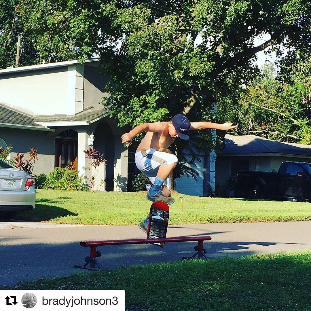 #Repost @bradyjohnson3  Pic of me doing a front feeble