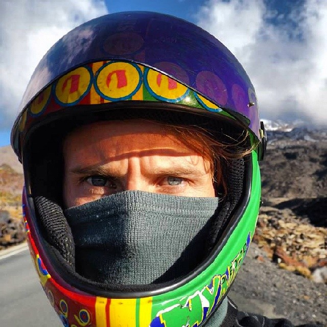 Daniel Hawes knows how to take a proper selfie. DH6+facemask, check.  Active volcano in background, check. About to bomh 100+kph road down said volcano.Check.  #DH6 #thebruce #ruapehu #ntensedcense  @mrdanielhawes
