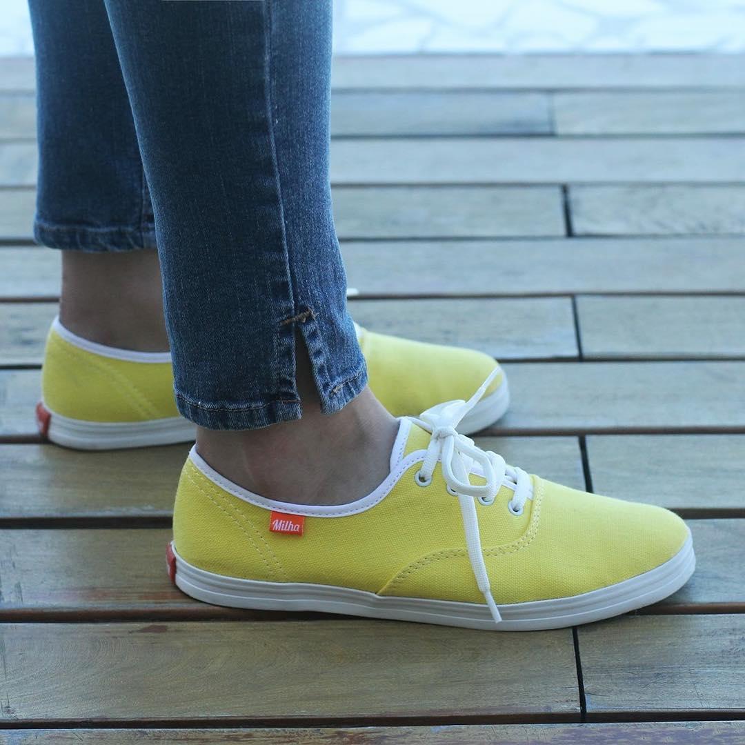 Lleva el amarillo en tus pies!