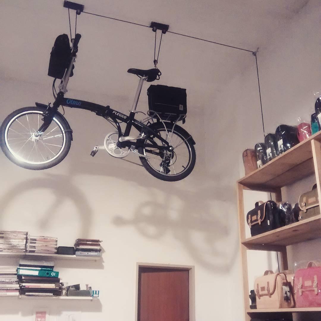 Otra Bici voladora en el Showroom  #plegables #bikelife #ciclismourbano