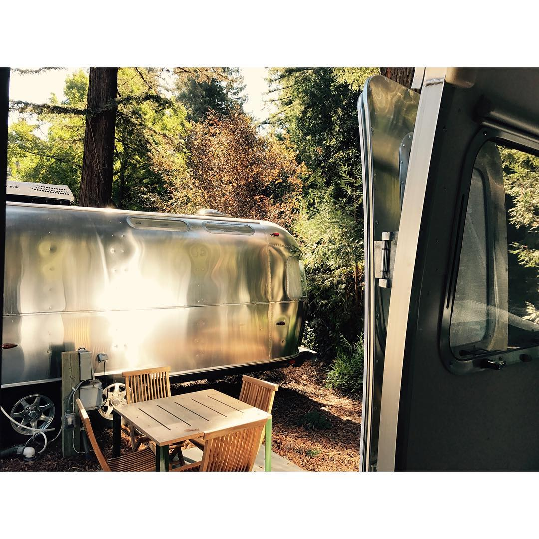 glamping at @theautocamp super nice place if you want to explore north of SF. Airstream Paradise #awesome#autocamp#awesomesurfboards #airstream #glamping  see more in stories