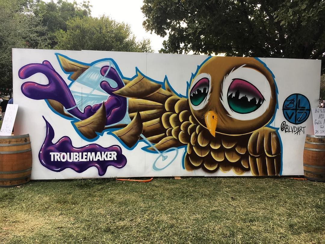 @blvdart live painting for @troublemakerwine • • Good times out here @aclfestival