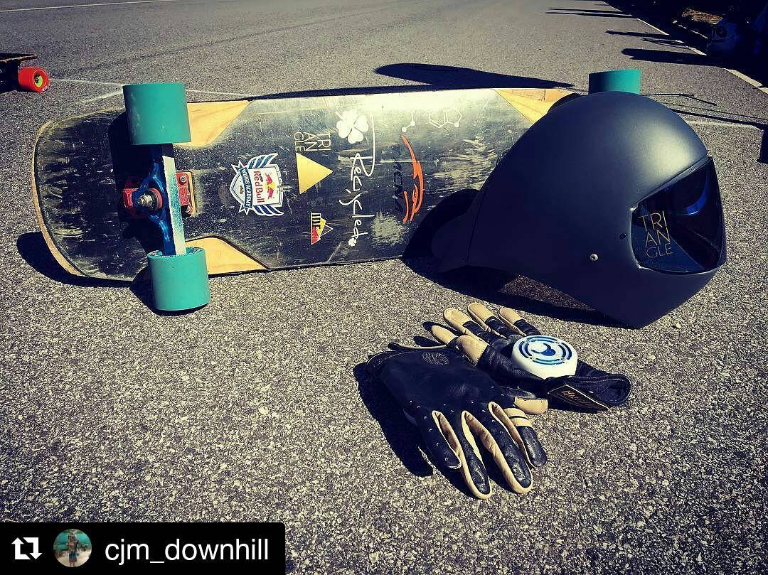 #Repost @cjm_downhill ・・・ Goodies track day (saludete para los sponsors) #longboard #downhill #skate #instagood #argentina #buenosaires #balcarce #track #day #sponsors