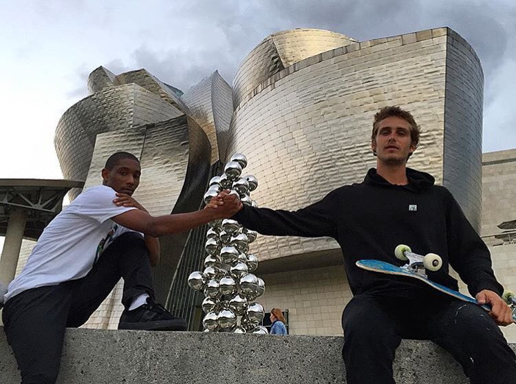 Good times and good vibes only, these two are family! @domowaka @_julian_davidson >>>