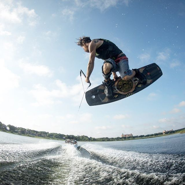 Method Monday with @withshanebonifay Be sure to check out Shane's 20th pro model, the Dose and his new 4D boot the Flex at liquidforce.com. #LiquidForce #4D #Dose #RelentlessInnovation #methodmonday