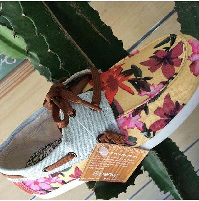 Lunes bien floreado ! #perkyshoesar #veranoperky #shoes #slider #nauticos #flores