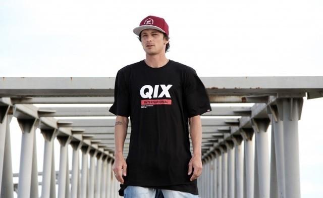 """Confira o questionário respondido pelo skatista Thiago """"Pingo"""" publicado na seção What's Up do site Tribo Skate. QIX.COM.BR Foto: Julio Detefon. #qix #qixskate #skate #skateboardminhavida"""