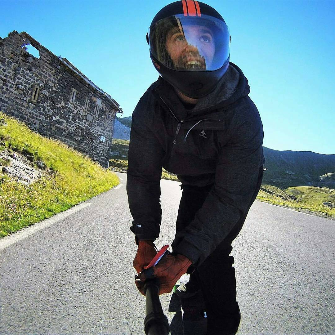 @niko_dh -  That road makes me smile #labonette ... #restlessboards #restlessnkd #abec11 #grntm #predatorhelmets #areyoureadytofly #regrann