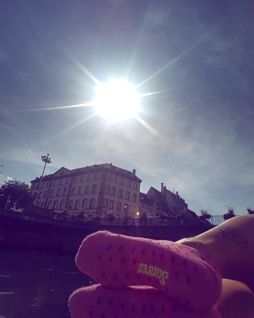 Un poco de sol y pink #panchas en este #martes gris ☀️