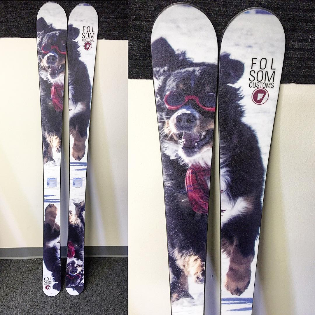 When your #bernesemountaindog wears #doggles and a scarf while charging down the mountain your graphic choice is simple #madeintheusa #customskis #humpday
