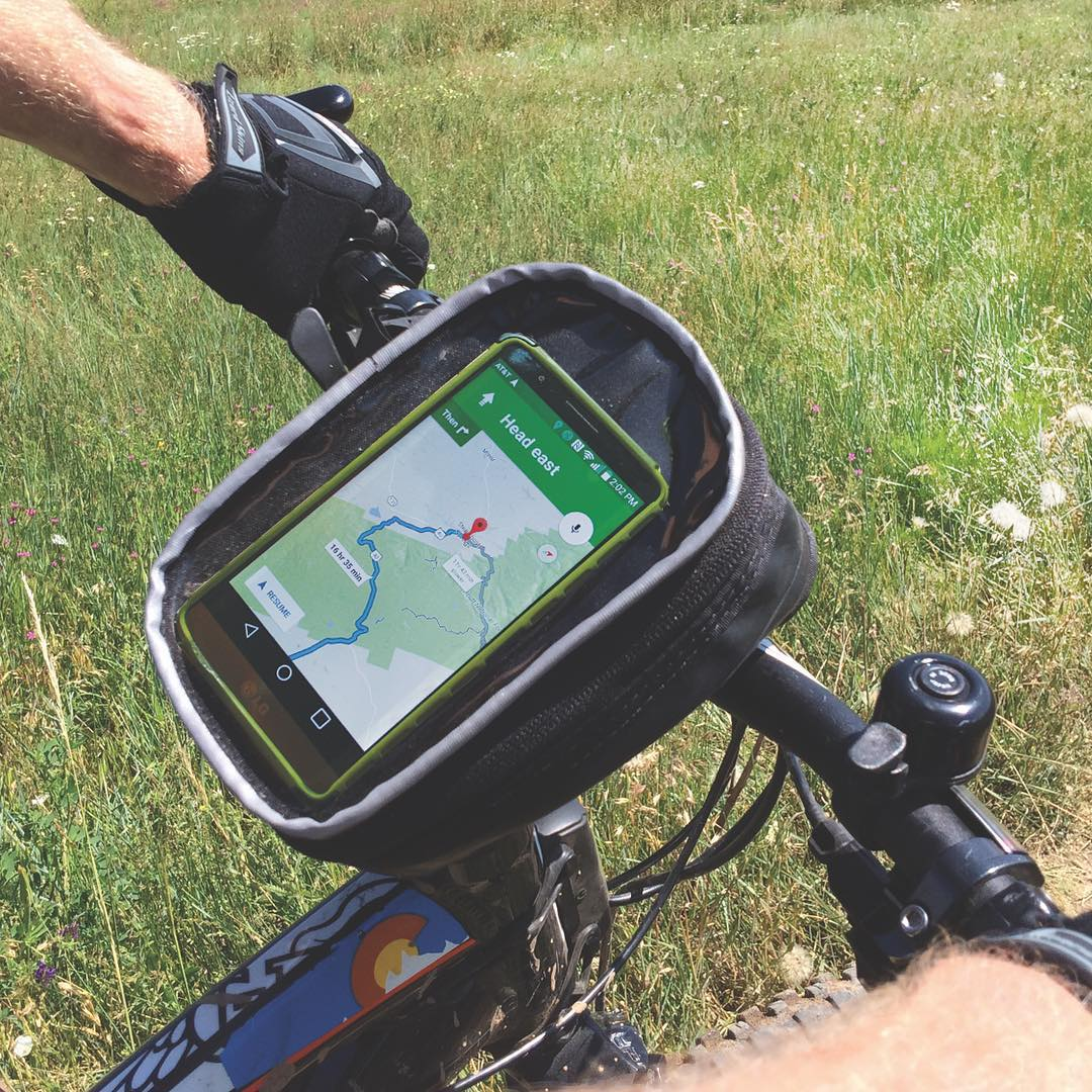 The leaves may be starting to turn, there's still plenty of time to get some #mountainbiking or #trailriding in! Check out our dash stem handlebar bag to get you through the rest of the season! #adventuremore #exploremore #upcyled