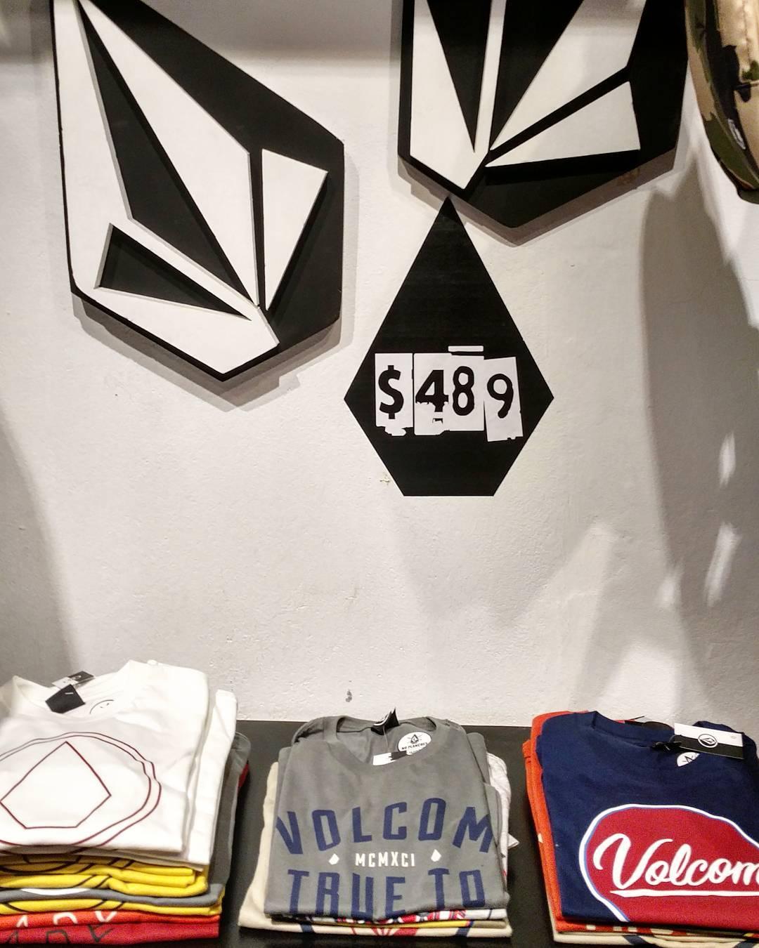 #Sabiasque en #VolcomStorePalermoViejo tenes una #Salecage Busca items de temporadas anteriores a precios increibles!!!! Armenia 1733. Palermo #ttt