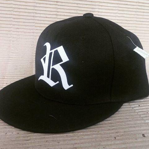 Cap Rebel modelo R béisbol con snap color negra
