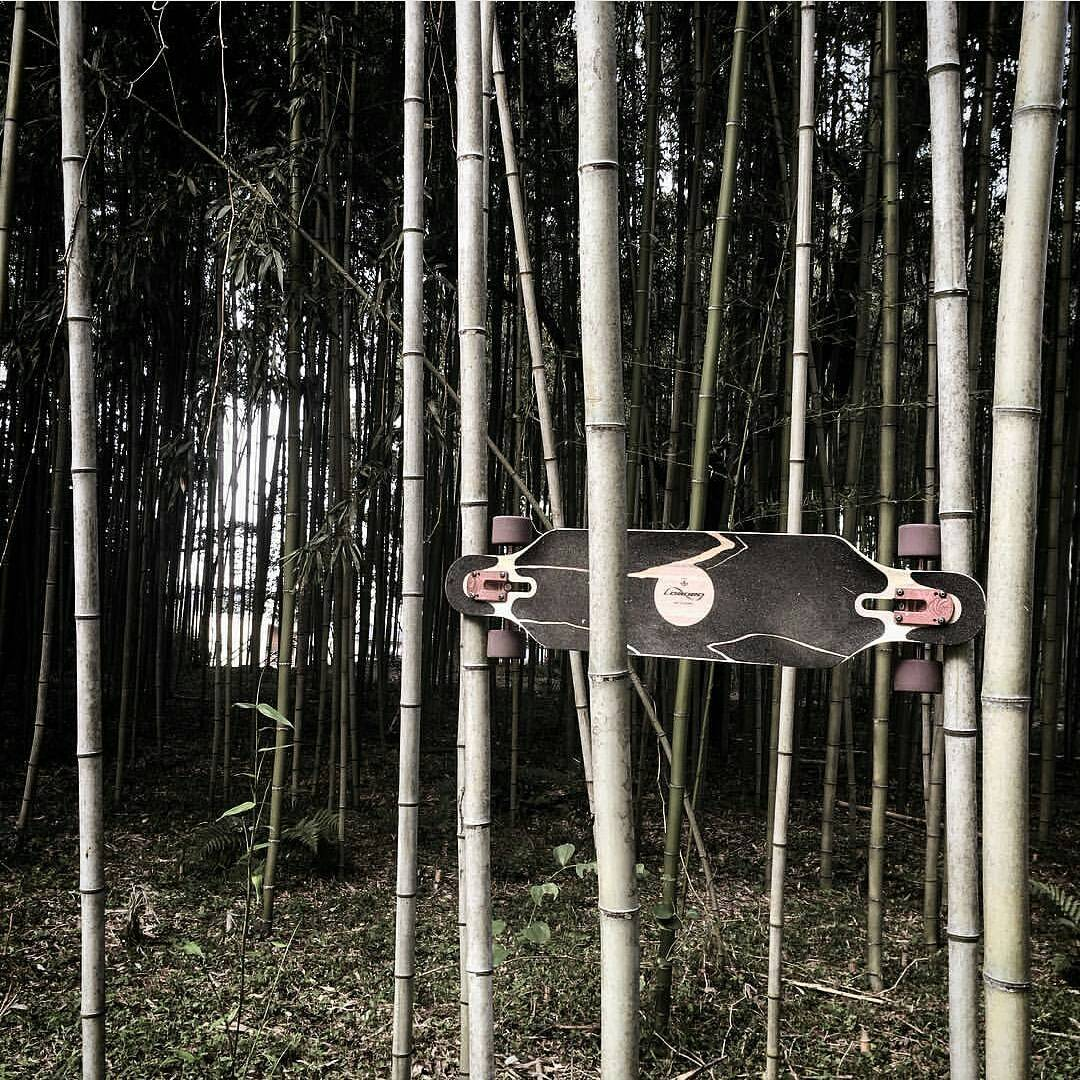 A rare and heartwarming moment of the Loaded Icarus and it's parents, sharing a sweet embrace.  Oh how they grow up so fast!  Regram from @Voochang  #LoadedBoards #LoadedIcarus #Icarus #Bamboo #Handmade