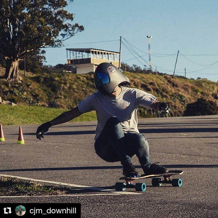 #Repost @cjm_downhill ・・・ Balcarce 2016 #longboard #downhill #skate #track #day #balcarce #buenosaires #argentina  PH: @rocko_moran