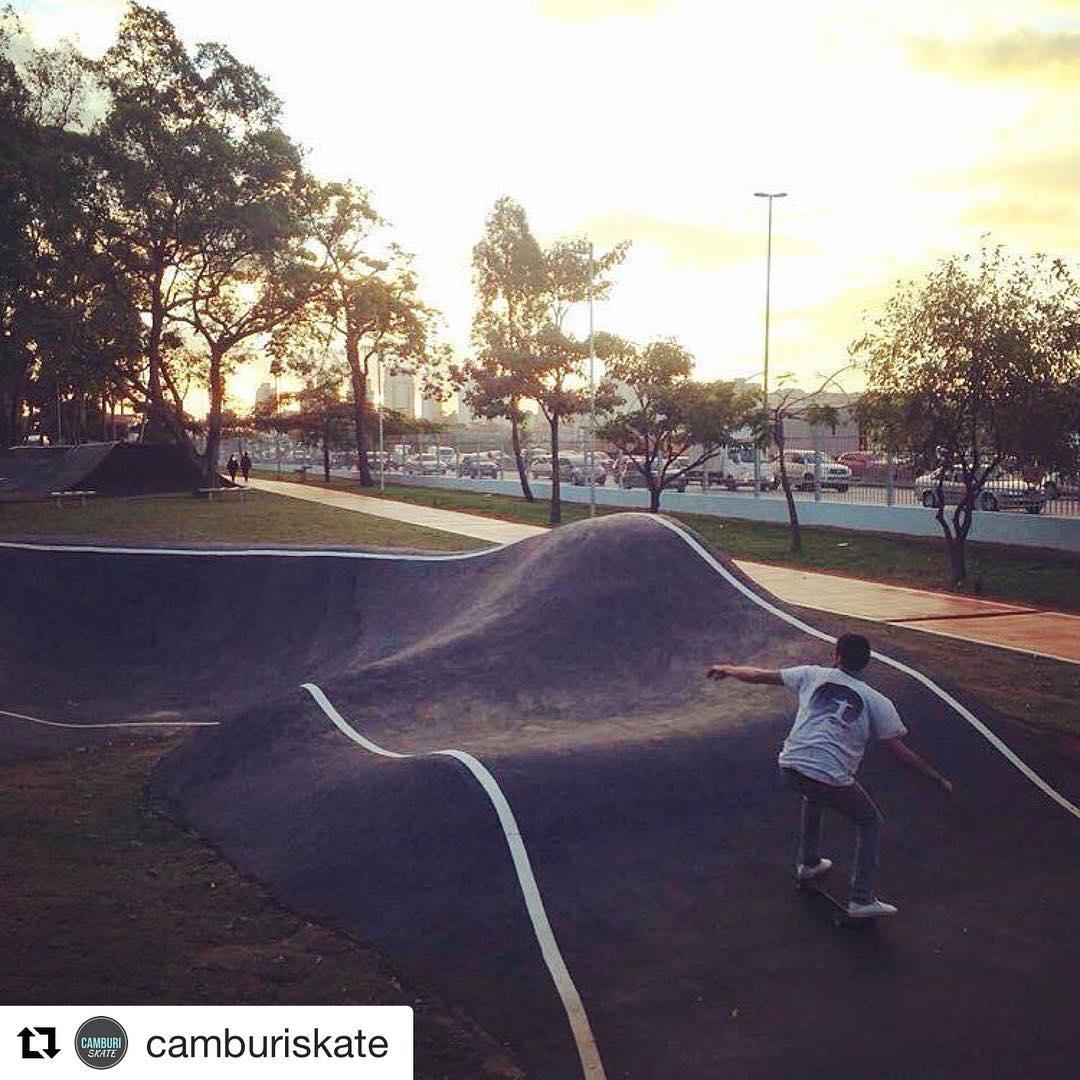 #Repost @camburiskate with @repostapp ・・・ @lrsouza10!! #camburiskate #surfskate #carverboard #carver #carverbrasil