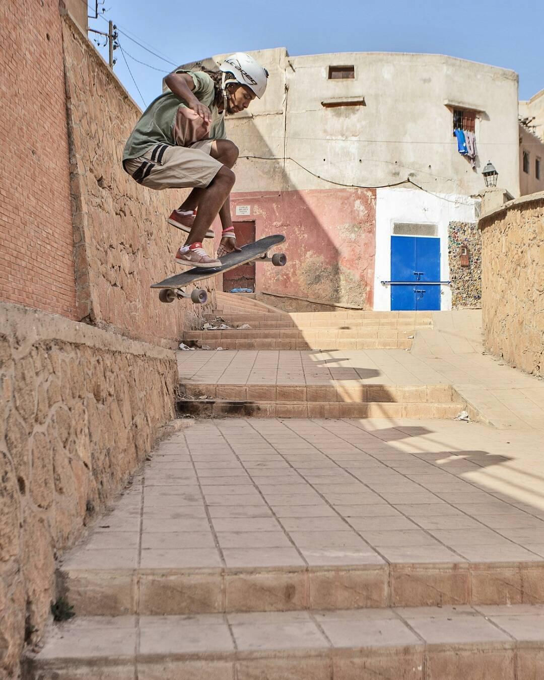 #LoadedAmbassador @yassineboundouq making use of anything and everything Morocco has to offer for skateboarding.  Photo: David Edmonson  #LoadedBoards #Tesseract #LoadedTesseract #Orangatang #morocco