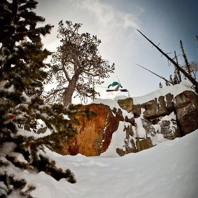 4FRNT Athlete Willie Nelson ( @bucksnorts ) sending it over the Red Cliff at @brightonresort on his #YLE #riderowned Photo | @angryjordan