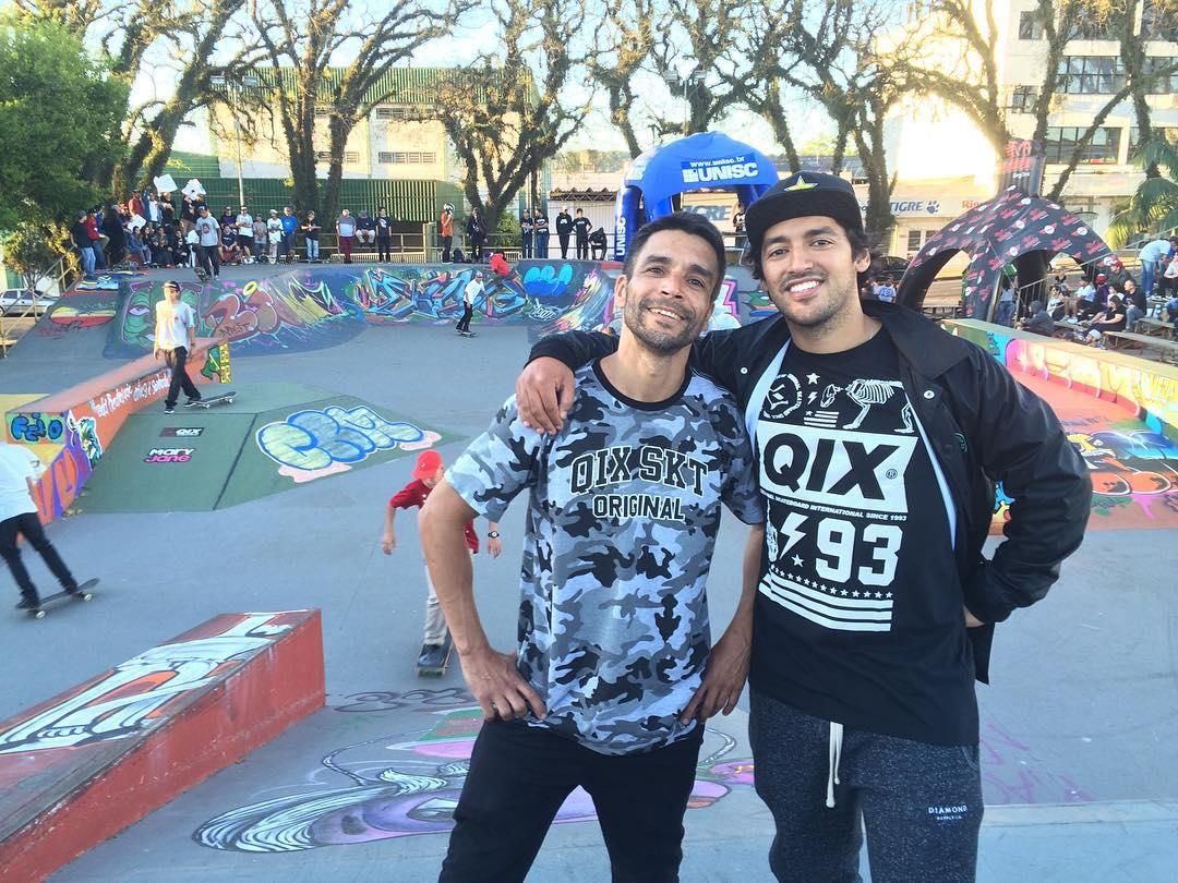 @allanmesquitta e @kelvinhoefler já estão em Santa Cruz do Sul - RS... Liga Gaúcha de Skate está bombando! #skateboardminhavida