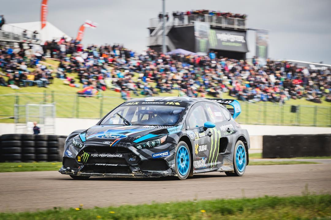 Hoonigan Racing Team Driver @andreasbakkerud has been shredding this season of #WorldRX! Now you can strap into the passenger seat of his Ford Focus RS RX and see him get to work behnd the wheel with the new FordVR app. Download link in bio!...