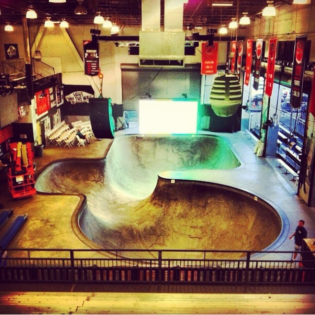 Regram @dudebrowen #thecombi last night . #readytorock  #vanspoolparty2015
