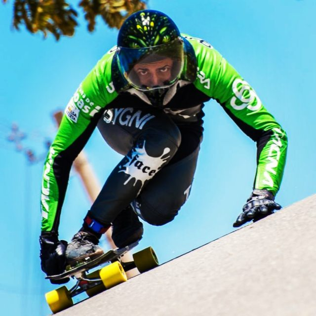 @cacpaixao @uzicoprecision @mundialskatedownhill @megaspaceoficial @ccpassion @lucianoxlima #kysygniteam #kysygniblackmamba #blackmamba #uzicobearing #uzi #uzicopresicion #sport#uzicogriptape #uzicogloves #idfracing #idftour #megasoace#downhill...