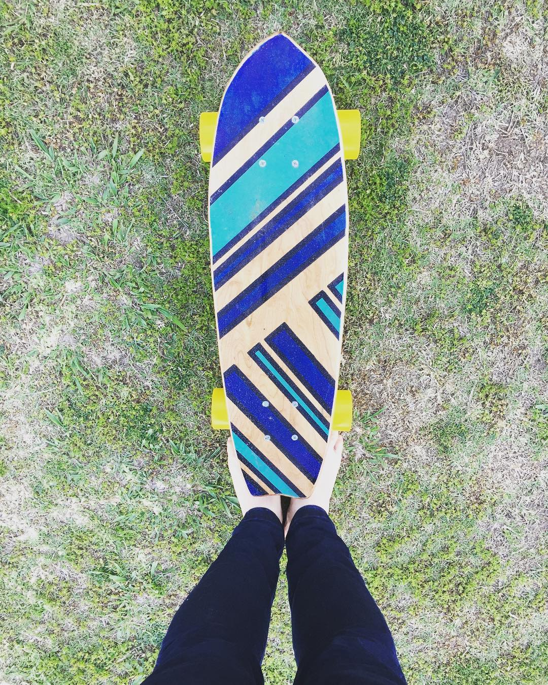 Vamos JUNTOS! // Let' s Go together! #deslizate -----> www.deslizate.org . . . . . #deslizate #skateboard #board #surfboard #handmade #socialinnovation #outdoor #together #adventure #ecosalvaged #patagonia #handpainted
