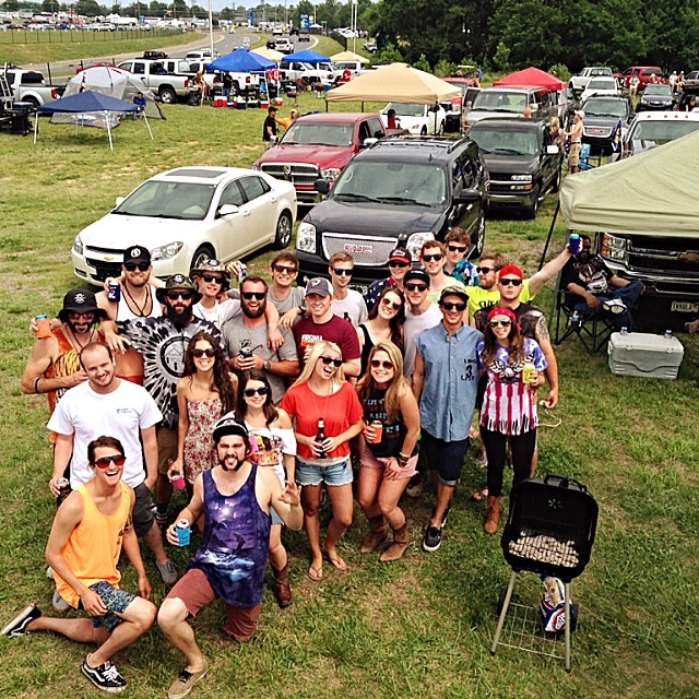 3rd annual redneck rager // #stzlife #allthehomies #nascar #leftturnsonly #tagyoself // miss you @whocutthechez