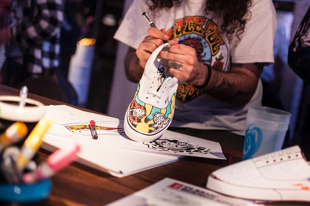 En la #HouseOfVans también hubo intervenciones artísticas de @falucarolei y sus amigos