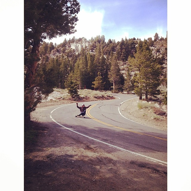 @jameskelly_shm styles hard in the sierras. photo @liam_lbdr_