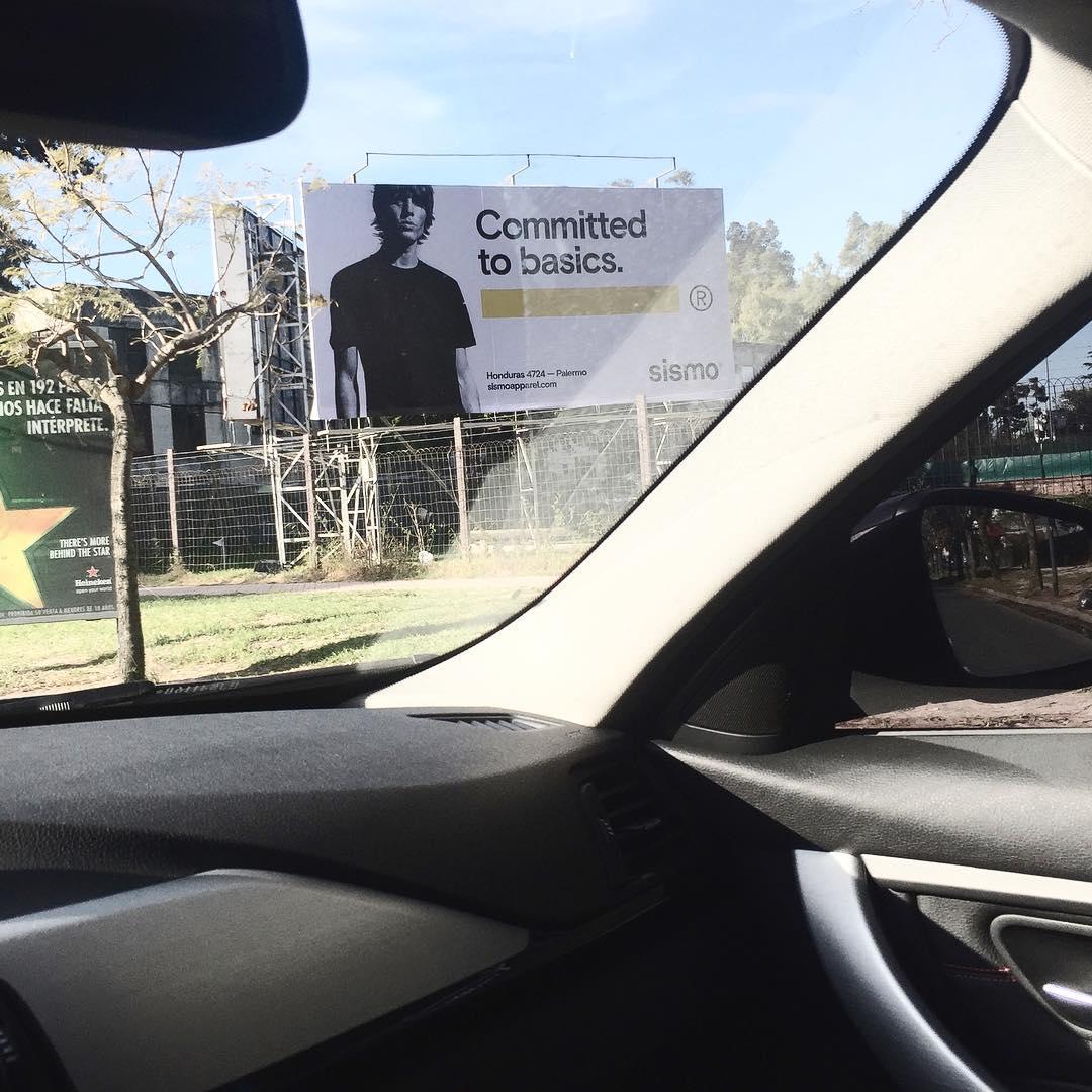 Nos seguimos encontrando con carteles de nuestra campaña #ss17 #committedtobasics