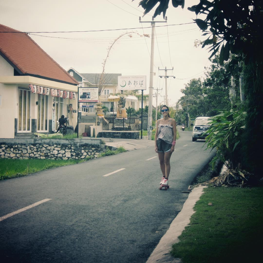Senti tu libertad // Feel your freedom --->www.deslizate.org . . . . . #pennyboard #skate #skateboard #longboard #adventure #trippingmood #viaje #aventura #outdoor #skatetrip #surfing #surf #handmade #indonesia #bali #skategirl #skatemotivation #wood...