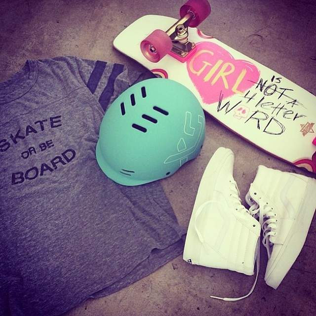 @sportsstylist lays out her favourite things #skatergirl #style #thankyou @vansgirls @girlisnota4letterword @dusterscalifornia