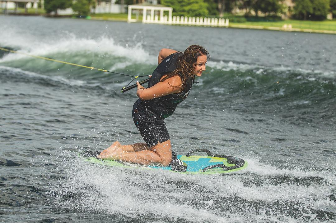 Not enough storage in your boat to lift all the gear? Choose an all-in-one board like the Omnia. More possibilities, more fun. #watersports #waterfun #allinone #favorite #family