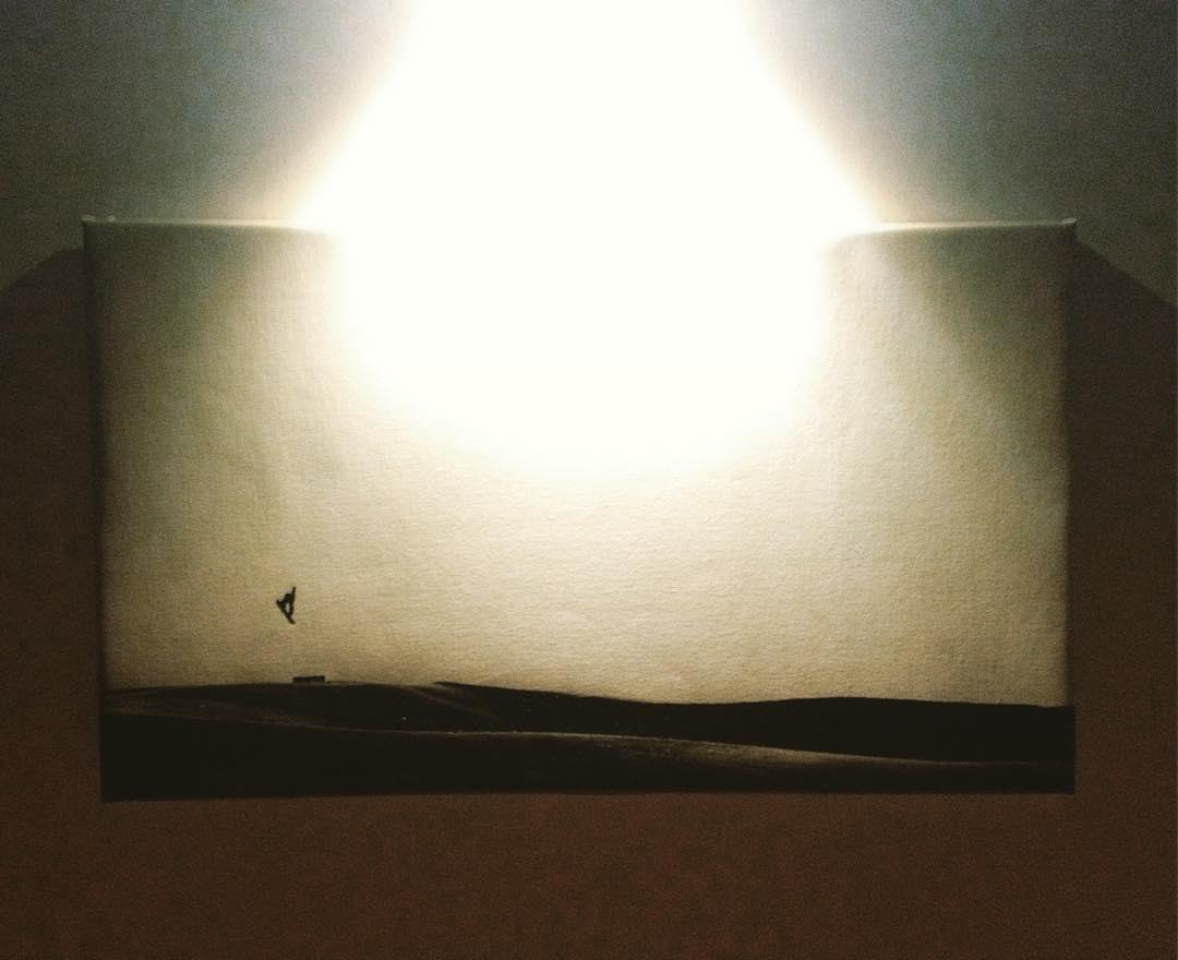 Tengo el honor de decorar el pasillo de @sherpahostel con este momento capturado por @silvanozeiter en #saasfee #Switzerland