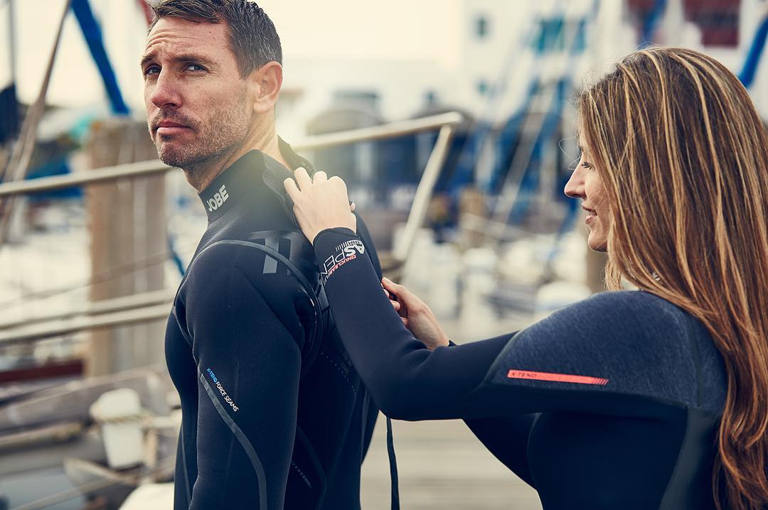 A chest or backzipper in my wetsuit: the pros and cons. How to choose? Click the link in the bio. #wetsuit #watersport