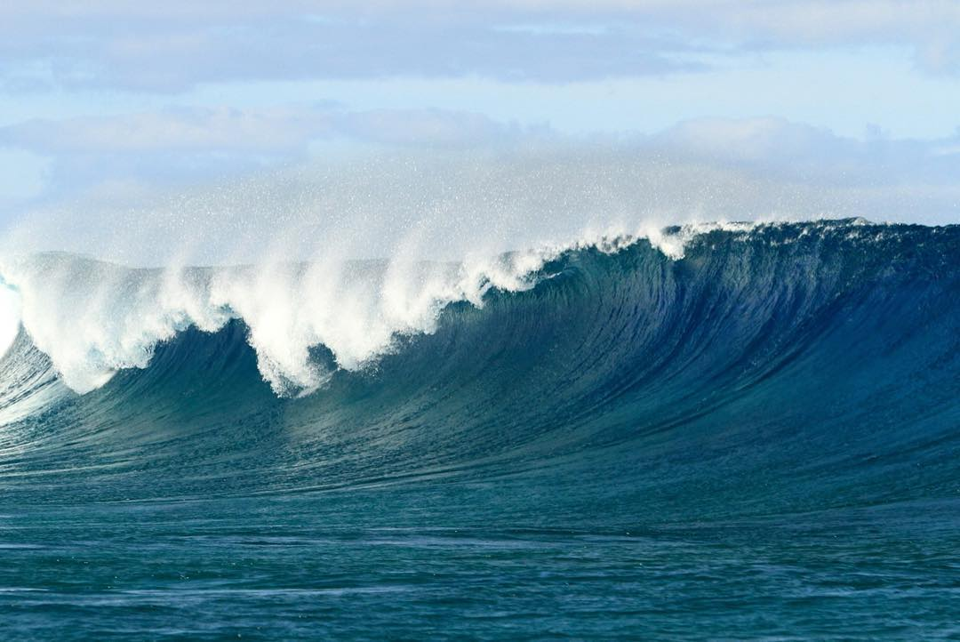 Power #offshore #wave #cloudbreak #fiji #katwaitrip
