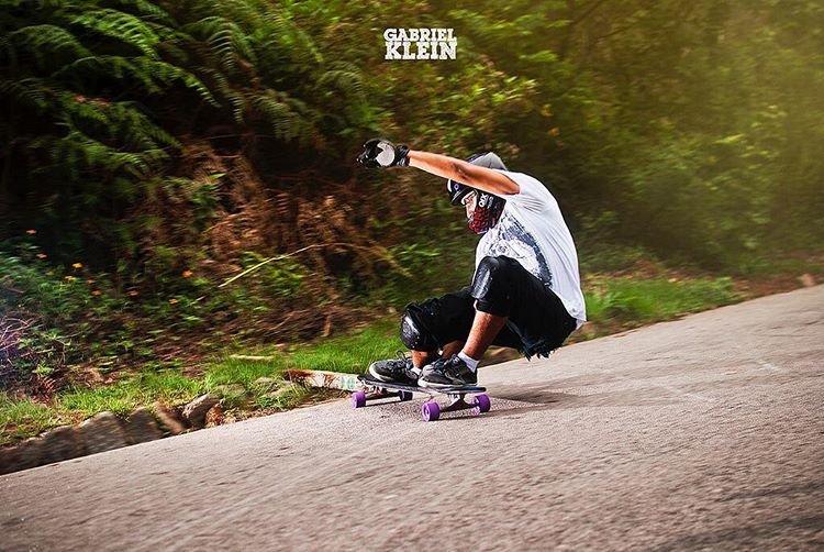 #OrangatangAmbassador @thiago___nobre getting low and steezy  Ph. @instakleingabriel  #Orangatang #Purple #LoadedBoards #ChubbyUnicorn