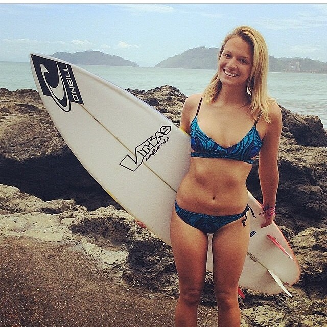 One of our first riders - Kim - in #costarica #puravida #miolainaction #miolainthewild #surfer #surferbabe