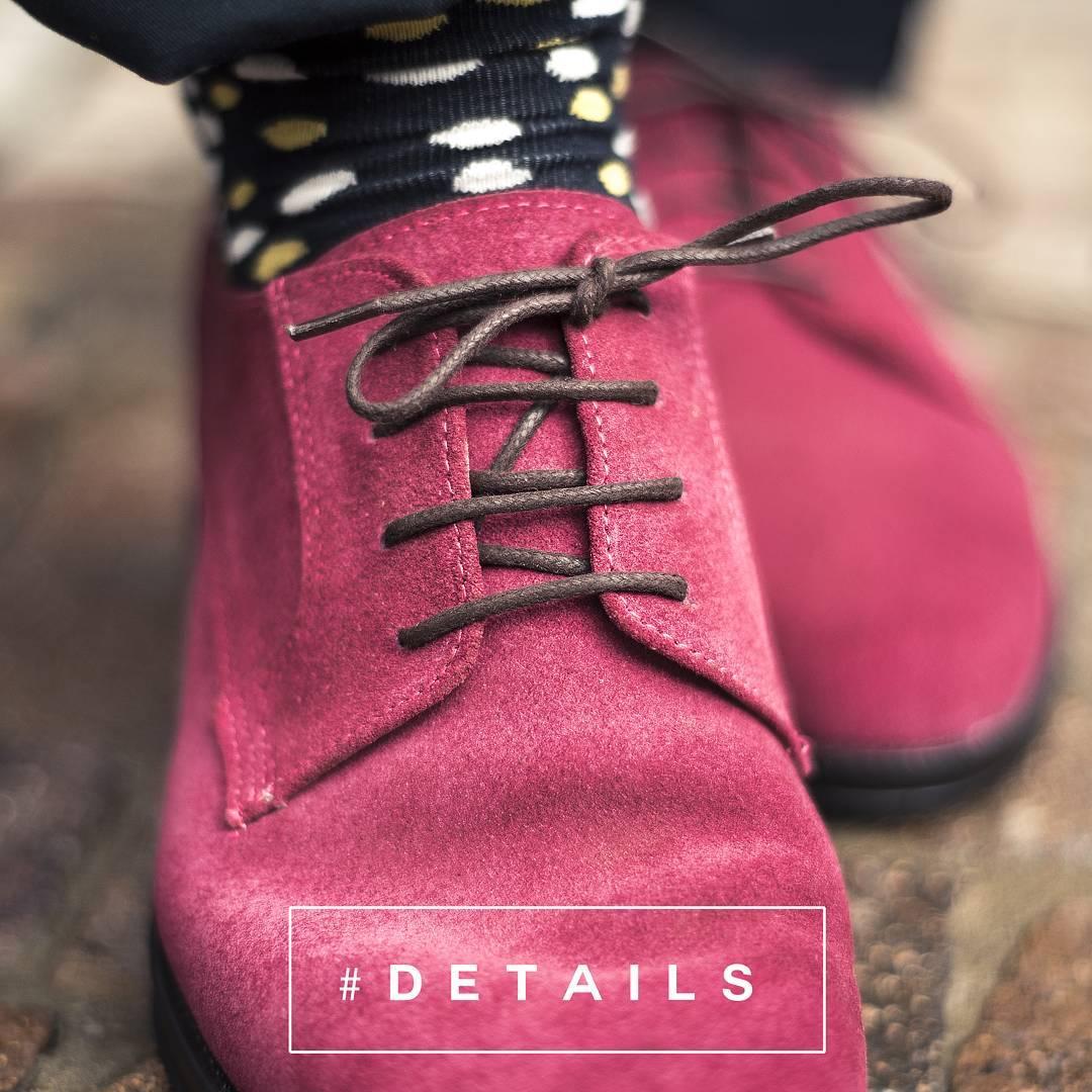"""""""Quien no es fiel en lo poco,  no lo es en lo mucho, la vida se juega en los pequeños DETALLES""""  #TwinsStyle #details #detalles #instafashion #style #moda #zapatos #calzado #lannister #shoes #outfit #ootd #argentina #oferta #sale #lovely #fashionformen..."""
