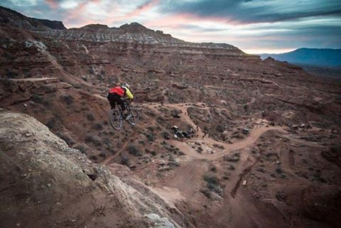 "Hell yeah! @kylestrait getting it done out in Utah! #Repost ""Heavy day of testing. Got the big dog drop #eagleslanding out of the way today. Glad that I'd got over. On to last day of practice. #Rampage2016 Photo : @commencalnorthamerica  #SixSixOne..."