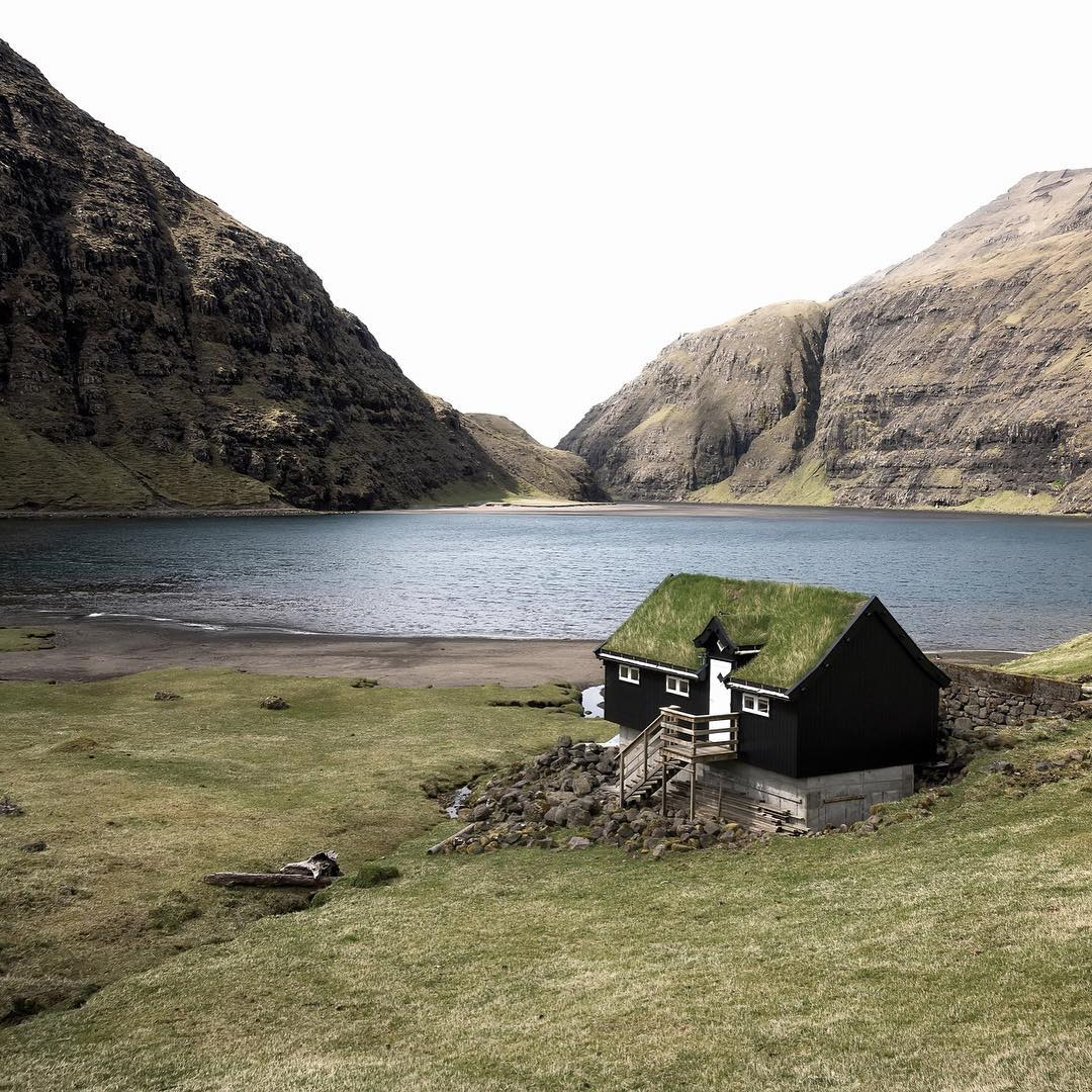 An idyllic setting in the Faroe Islands of the North Atlantic. Check out our Field Notes on ƒ/8 Workshops' trip (@thefella, @greg_a, @zobolondon). #findyourpeak